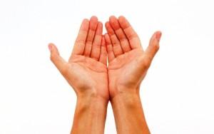 hands-pray_00420378